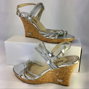 Michael Kors sz 7M Silver sandals with cork wedge